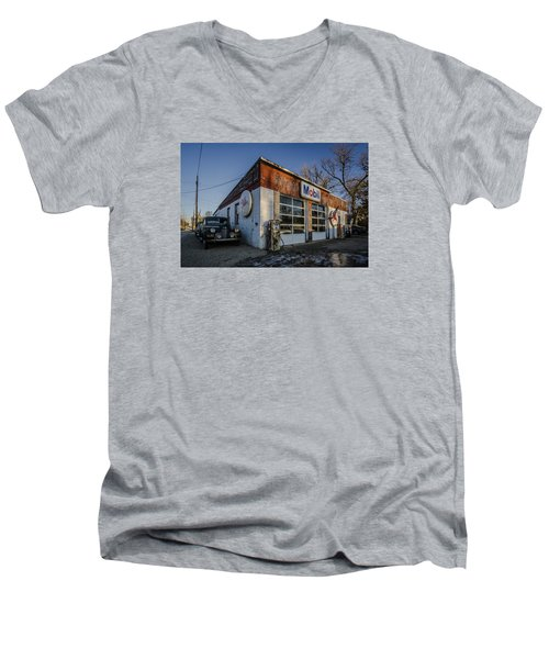 A Vintage Gas Station And Vintage Cars In Early Morning Light Men's V-Neck T-Shirt