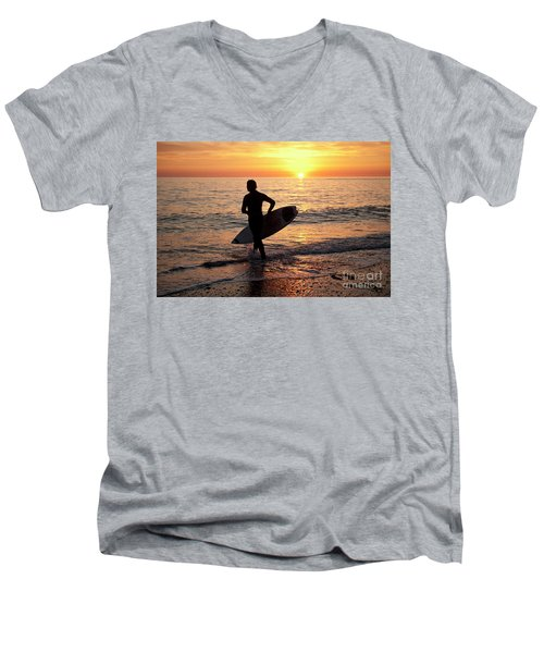A Young Man Surfing At Sunset Off Aberystwyth Beach, Wales Uk Men's V-Neck T-Shirt