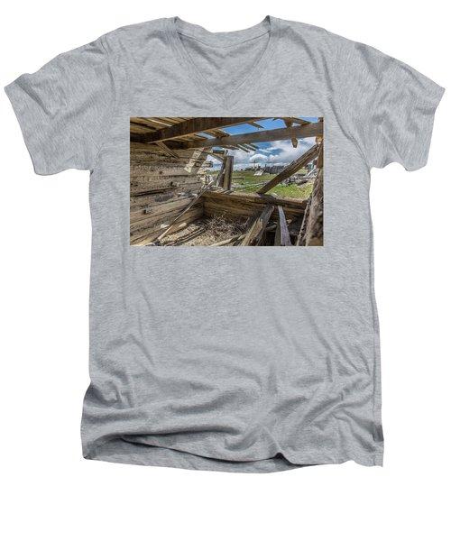 Abandoned Building In Cisco, Utah Men's V-Neck T-Shirt