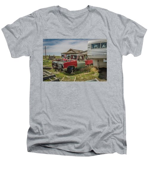 Abandoned Car And Trailer In The Ghost Town Of Cisco, Utah Men's V-Neck T-Shirt