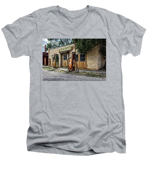 Abandoned Garage Men's V-Neck T-Shirt