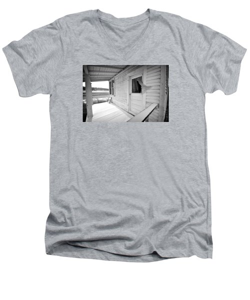 Abandoned Home Men's V-Neck T-Shirt