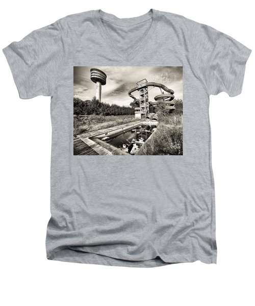 abandoned swimming pool - Urban decay Men's V-Neck T-Shirt by Dirk Ercken