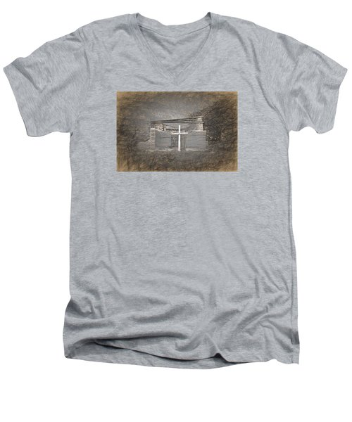 Abiquiu Nm Church Ruin Men's V-Neck T-Shirt