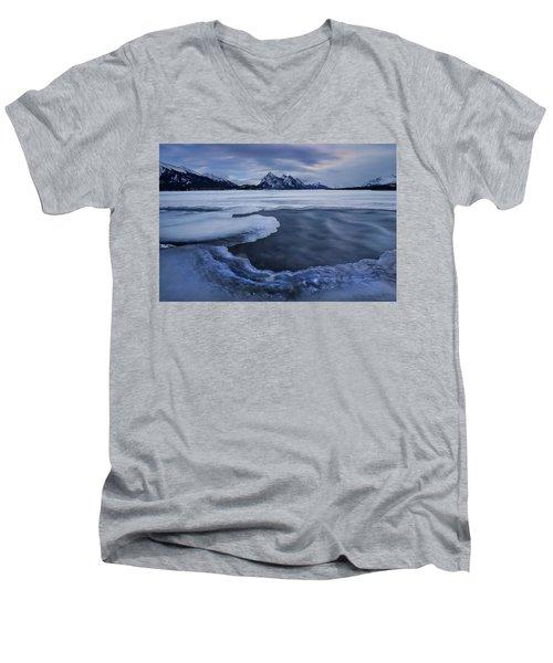 Abraham Lake Sans Bubbles Men's V-Neck T-Shirt