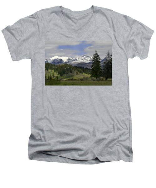 Absaroka Mts Wyoming Men's V-Neck T-Shirt