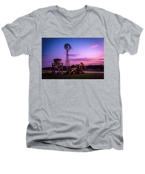 Aeromotor Windmill Men's V-Neck T-Shirt