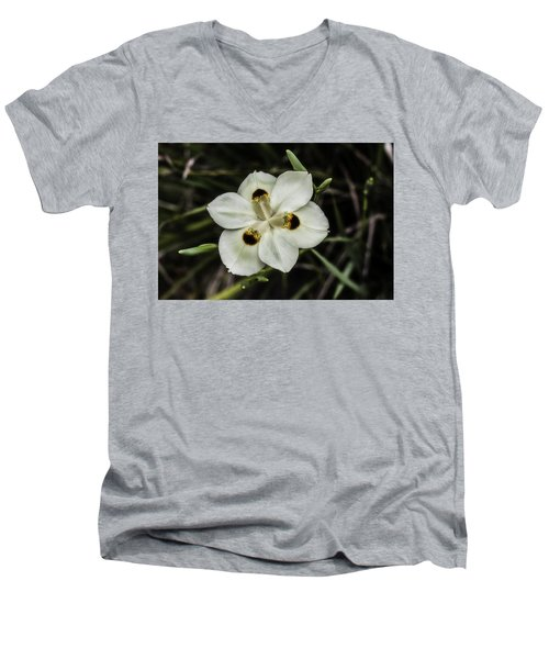 African Iris Men's V-Neck T-Shirt