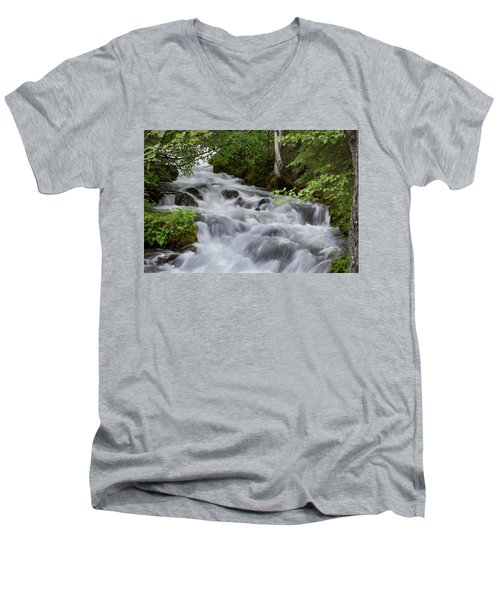 Alaska Waterfall Picture  Men's V-Neck T-Shirt