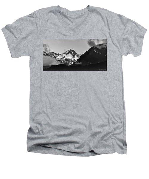 Alaskan Mountain Range Men's V-Neck T-Shirt