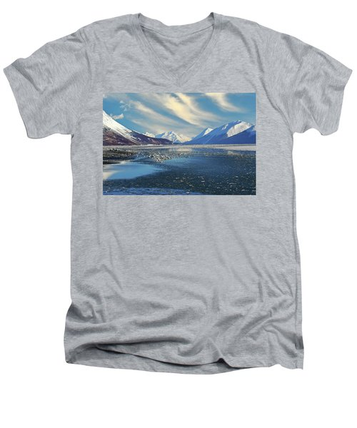 Alaskan Winter Landscape Men's V-Neck T-Shirt