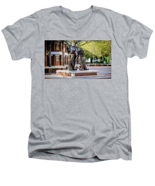 Albert And Alberta Gator Men's V-Neck T-Shirt