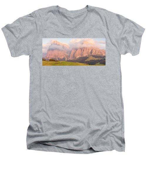 Alpe Di Suisi Sunset Panorama Men's V-Neck T-Shirt