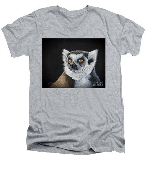 Amber Eyes......lemur Men's V-Neck T-Shirt