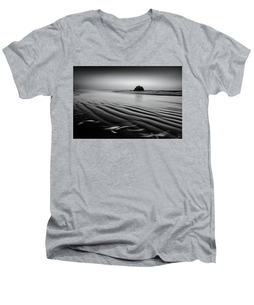 Men's V-Neck T-Shirt featuring the photograph An Oregon Morning by Jon Glaser