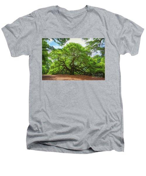 Angel Oak Tree In South Carolina  Men's V-Neck T-Shirt
