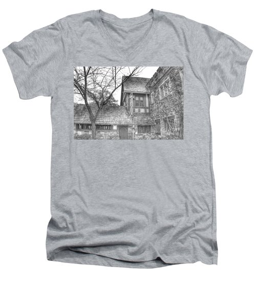 Annex At Ringwood Manor With Tree Men's V-Neck T-Shirt