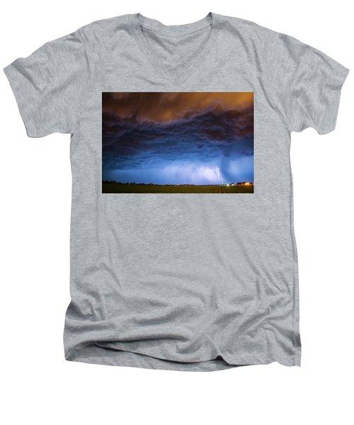 Another Impressive Nebraska Night Thunderstorm 008/ Men's V-Neck T-Shirt