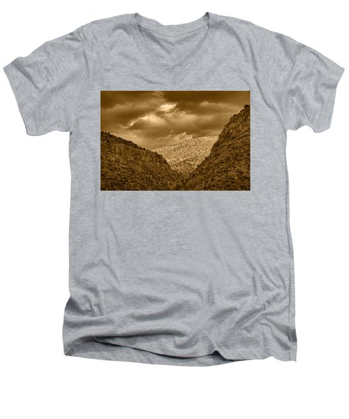 Antique Train Ride Tnt Men's V-Neck T-Shirt