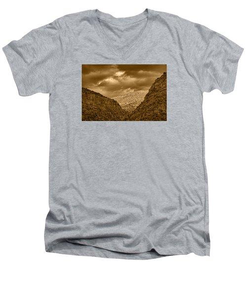 Antique Train Ride Tnt Men's V-Neck T-Shirt