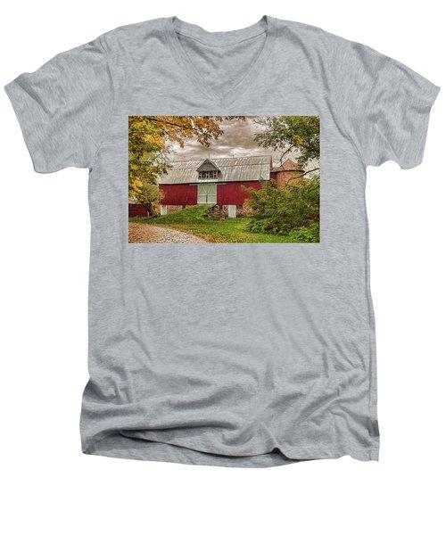 A.r. Potts Barn Men's V-Neck T-Shirt by Trey Foerster