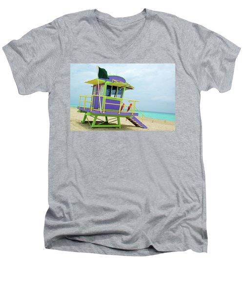Art Deco Lifeguard Shack Men's V-Neck T-Shirt