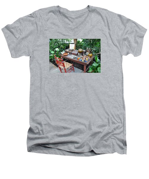 Frida Kahlo's Desk And Chair Men's V-Neck T-Shirt