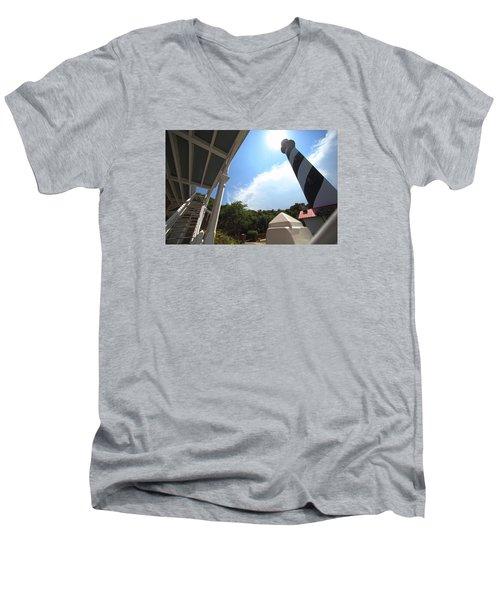 At The Light Men's V-Neck T-Shirt by Robert Och