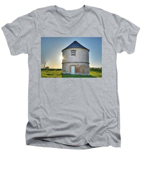 Auldearn Doocot Men's V-Neck T-Shirt