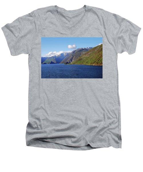 Aurlandsfjord Men's V-Neck T-Shirt