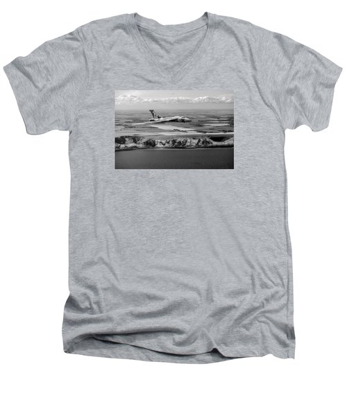 Avro Vulcan Over The White Cliffs Of Dover Black And White Versi Men's V-Neck T-Shirt