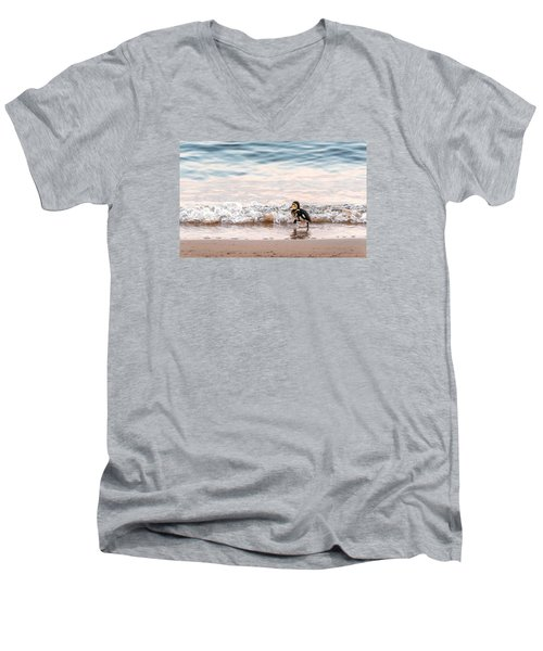Baby Duck Running On A Beach Into The Waves Men's V-Neck T-Shirt