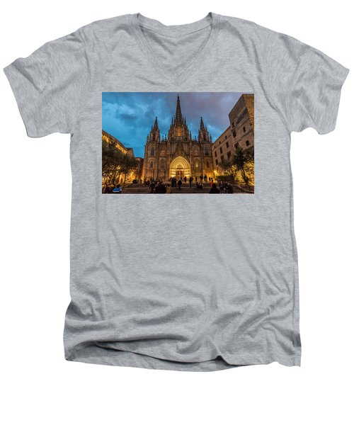 Barcelona Cathedral At Dusk Men's V-Neck T-Shirt
