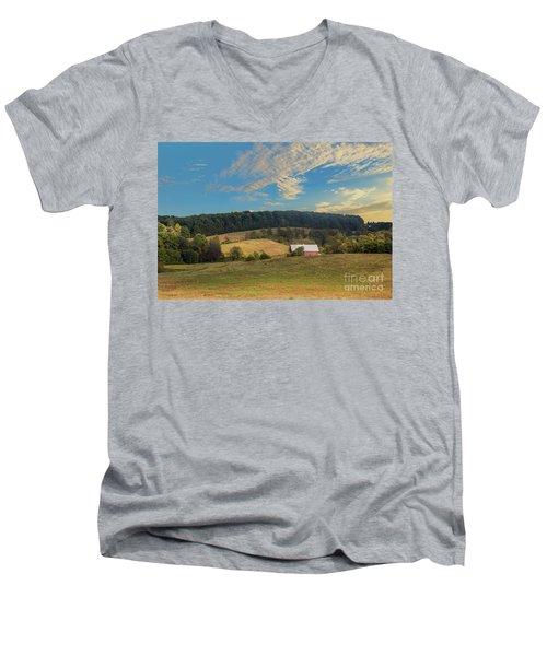 Barn In Field Men's V-Neck T-Shirt