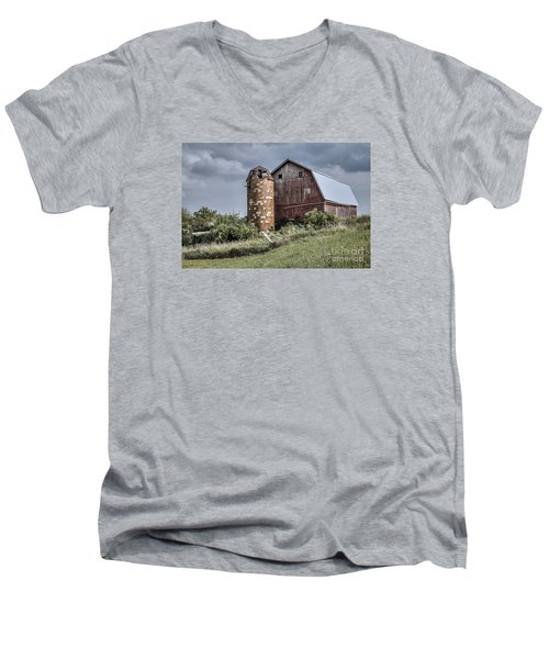 Barn On Hill Men's V-Neck T-Shirt