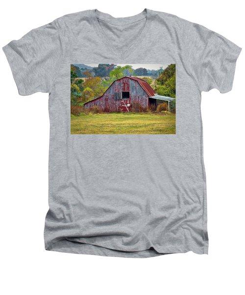 Barn On White Oak Road 2 Men's V-Neck T-Shirt