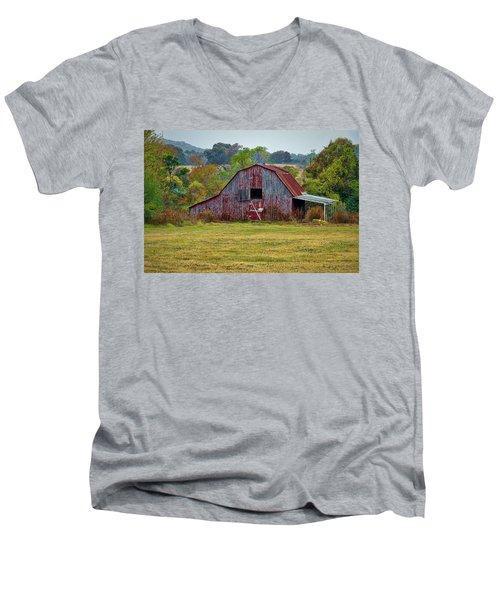 Barn On White Oak Road Men's V-Neck T-Shirt