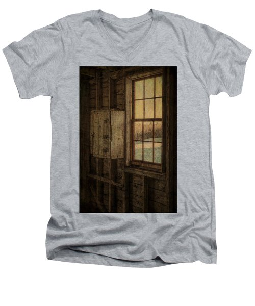 Barn Window Men's V-Neck T-Shirt