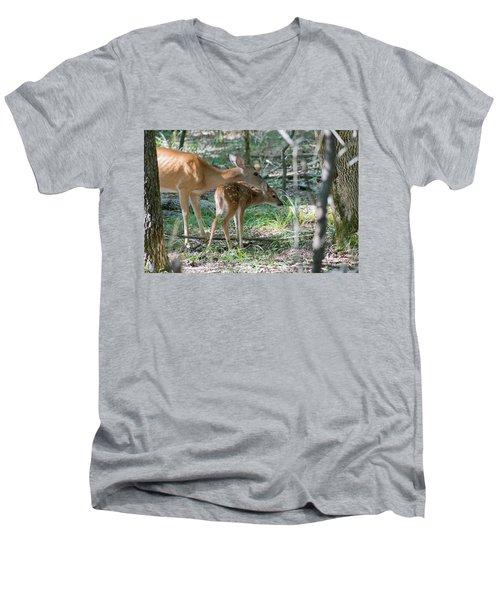 Bath Time Men's V-Neck T-Shirt