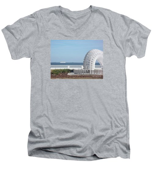 Bayshore Boulevard Sculpture Men's V-Neck T-Shirt