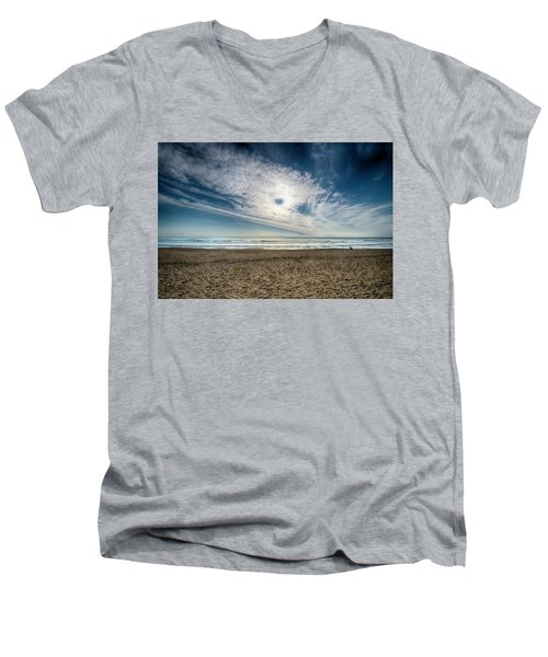 Beach Sand With Clouds - Spiagggia Di Sabbia Con Nuvole Men's V-Neck T-Shirt