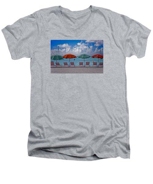 Men's V-Neck T-Shirt featuring the photograph Beachie Keen by Matthew Bamberg