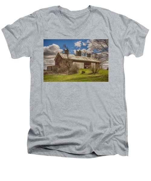 Beautiful Old Barn Men's V-Neck T-Shirt