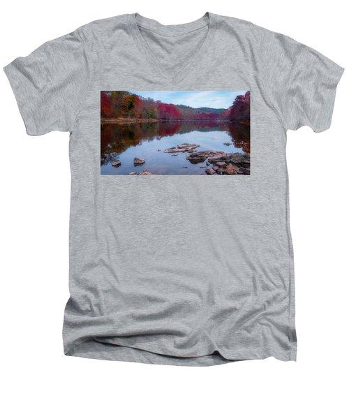 Beavers Bend State Park Men's V-Neck T-Shirt