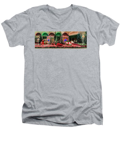 Bellagio Christmas Train Decorations Panorama 2017 Men's V-Neck T-Shirt