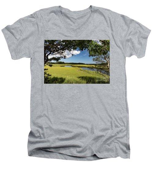 Bells Neck Road Men's V-Neck T-Shirt