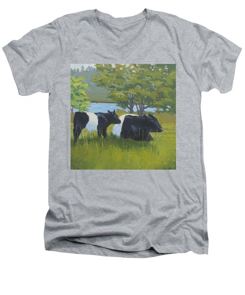 Belted Galloway And Calf Men's V-Neck T-Shirt