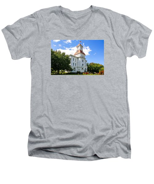 benton County Courthouse Men's V-Neck T-Shirt