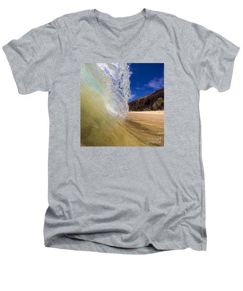 Big Beach Maui Shore Break Wave Men's V-Neck T-Shirt