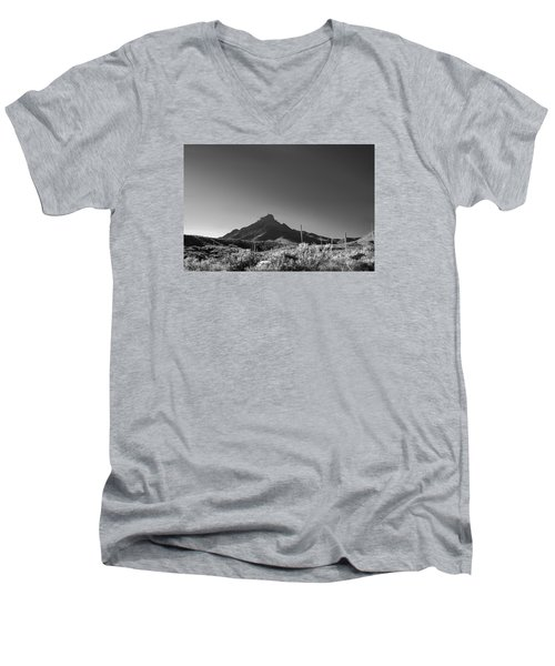 Men's V-Neck T-Shirt featuring the photograph Big Bend Np Image 134 by Kerry Beverly